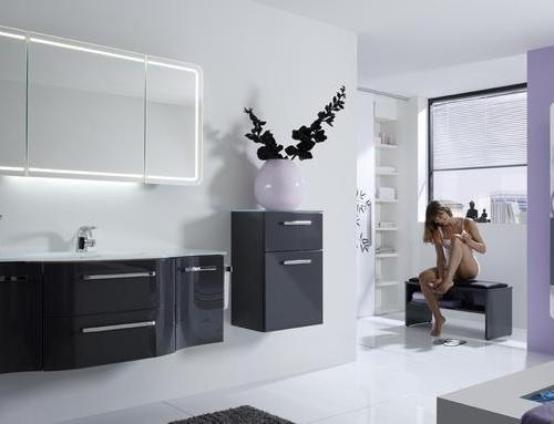 die sitzbank das multifunktionstalent im bad der. Black Bedroom Furniture Sets. Home Design Ideas