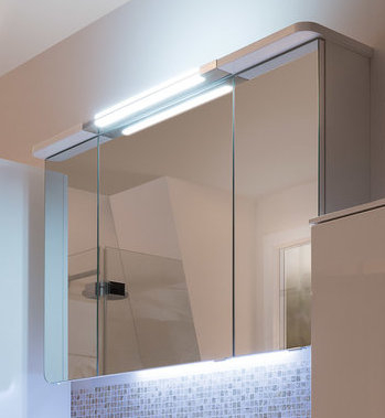 Spiegelschrank inkl. Beleuchtung im Kranz, 120 cm, 6,7 Watt