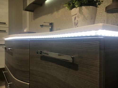 LED-Zusatzbeleuchtung für Waschtisch 120 cm